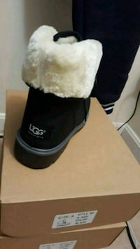 Womans ugg. Oots Timberland style rep