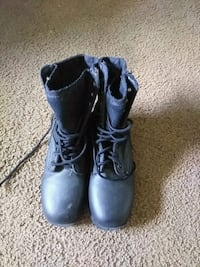 pair of black leather boots  army boots Bryan, 43506