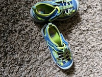 blue-and-green Nike running shoes Edmonton, T6B 0G6