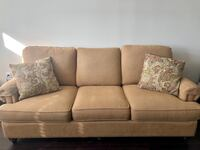 Brand New Couch (Pillows Included); Negotiable Annapolis, 21401