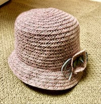 NWOT gorgeous pink & gray August hat.