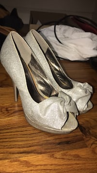 Pair of gray peep-toe platform stilettos Winter Park