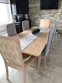 Dining chairs (2 captain )..4 chairs + table  Montréal, H1E 4R1