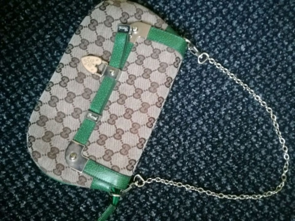 9e128e4601bd Used green and white Gucci monogram leather handbag for sale in West  Yorkshire - letgo