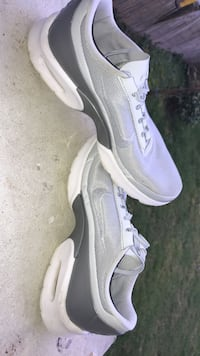 Paire de Nike Jewell taille 40 Pacé, 35740
