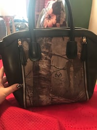 Realtree camouflage conceal carry purse tote bag