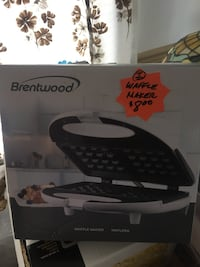 Black and white Brentwood waffle maker box