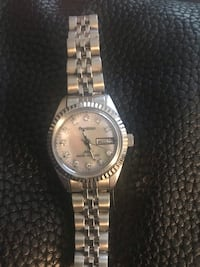 BEAUTIFUL WOMANS WATCH 2336 mi
