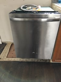 stainless steel and black dishwasher Grimsby, L3M 5C7