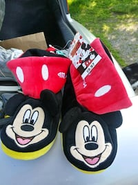 Brand New Kids Mickey Mouse Slippers St. Cloud