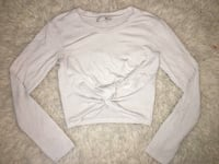 Aritzia Wilfred white long sleeve crop size XS Oshawa, L1G 4X9
