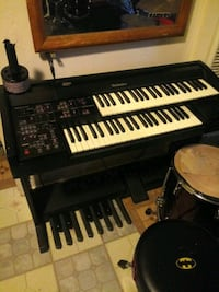 black and brown electric organ Sacramento, 95820