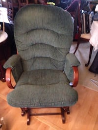 Green  glider chair Derwood, 20855