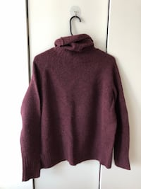 Aritiza knitwear in deep red (sizeXS)