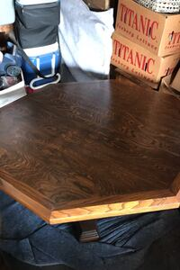 Kitchen table with leaf and 6 chairs. Solif wood