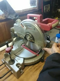 Compound miter saw. Chicago brand.  Woodbridge, 22191