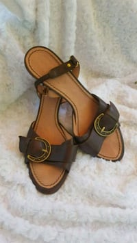 pair of brown leather open-toe sandals Atlanta, 30310