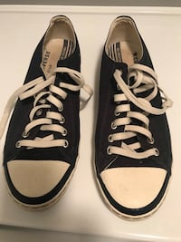 Converse shoes men's size 9 Toronto, M9W 1G4