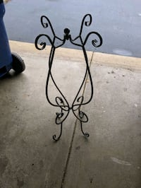 Plant stand  Yorkville, 60560