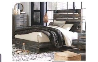 Like New Ashley Furniture Queen Size Bed Frame
