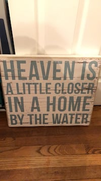 wooden sign like new!! Wall Township, 07719
