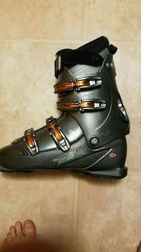 184 ski and 13 boot Silver Spring, 20907