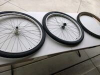 Wheels and Tires for bike Ontario, 91762