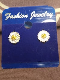 Floral earrings/will ship