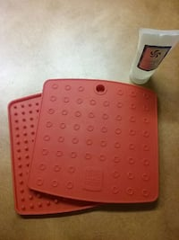 Potholders, red silicone