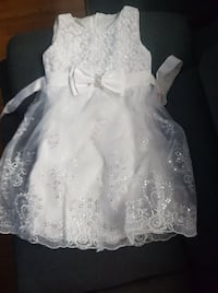 robe enfant taille 5 MONTREAL