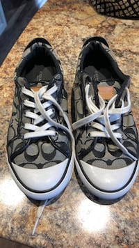 Like new Coach Casual Shoes. Size 8 Welland, L3C 3W8