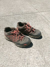 Kids North face hiking boots