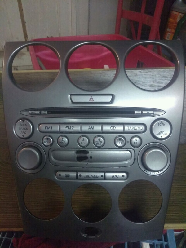 Oem mazda 6 face plate and 6 disc changer