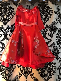 Preowned 2 year old dress Toronto, M4H 1L2