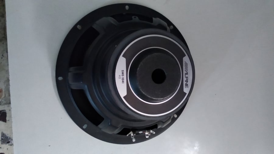 25 cm Alpine bass woofer 1