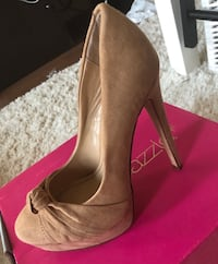 Beige suite shoes size 6 Oakville, L6K