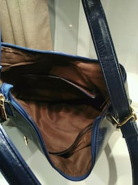 black and blue leather crossbody bag Montréal, H1Z 3R1