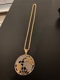 10k Solid Gold Globe Pendant and 18inch Rope Chain Toronto, M3L 1Y4