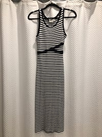 Navy and white fitted maxi dress size small Aurora, L4G 6R5