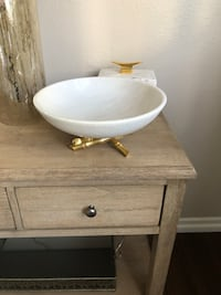 Marble bowl with gold stand  Los Angeles, 90016