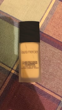 Laura mercier liquid foundation bottle San Diego, 92103