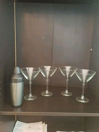 Martini set glasses West Springfield, 22152