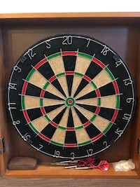 Dartboard with solid wood cabinet Hoboken, 07030