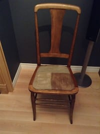 Antique chair North Bay, P1A 3T7