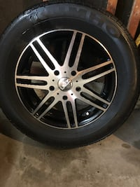 Four all season tires with aluminum rims - 15 inch - 5 bolt - never used in the winter Newmarket