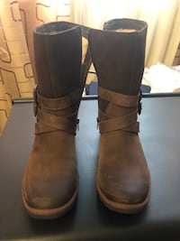 Ugg Lorna Boots. Brand new. Never been worn. It was a gift but Its not my style. Retails for $235. This is a bargain. Size 8 Toronto, M6L