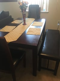 4 piece dining set New Carrollton