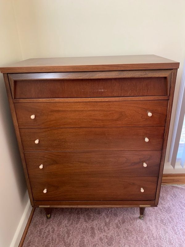 Vintage Mid-Century Modern Bureau / Chest of Drawers