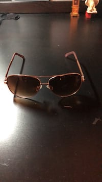 Gold framed aviator sunglasses Arlington, 22207