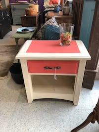1 drawer wooden stand freshly painted  Frederick, 21701